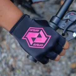 sarung tangan avelio basic – black pink